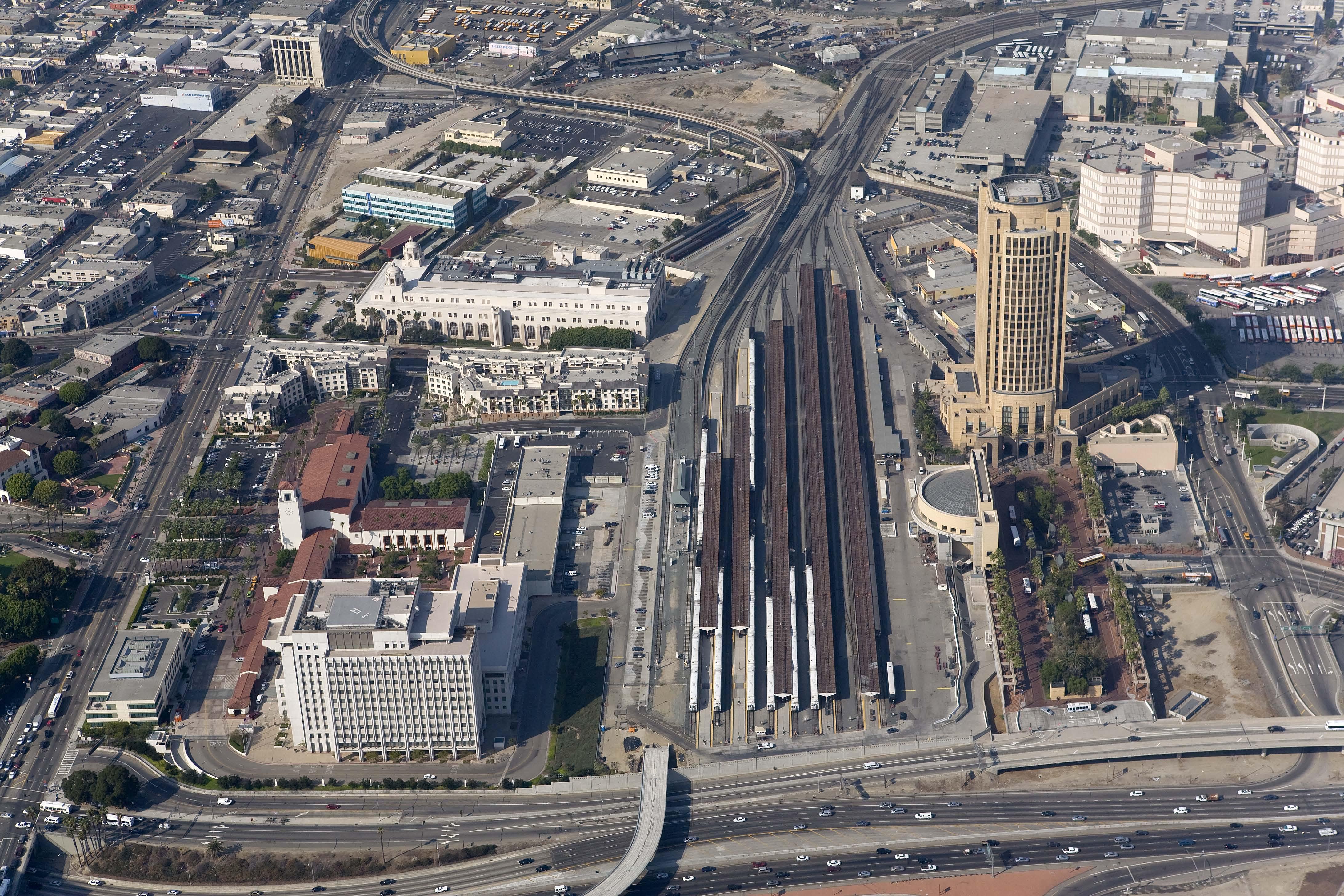 "<p>Aerial of Union Station</p> <p><span style=""font-family: Verdana, Geneva, sans-serif; line-height: 20px; font-size: small;"">Photograph Courtesy of Cattelus © 2011</span></p>"